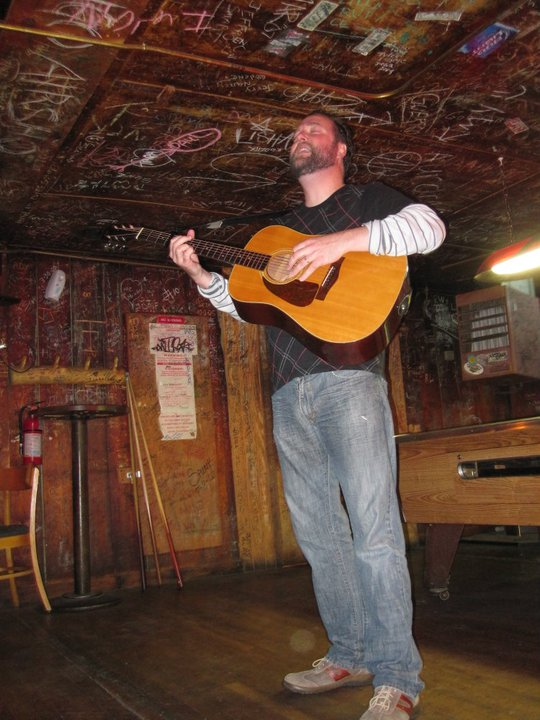 Eric Beverly singing at The Western Bar in Cloudcroft, NM